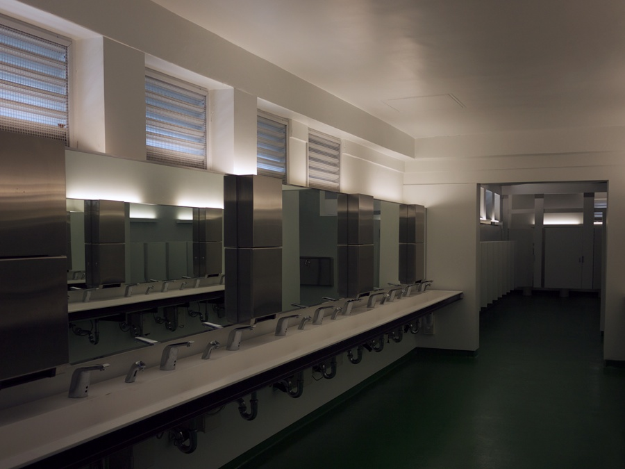 2013-02-06 Hollywood Bowl Restrooms 008
