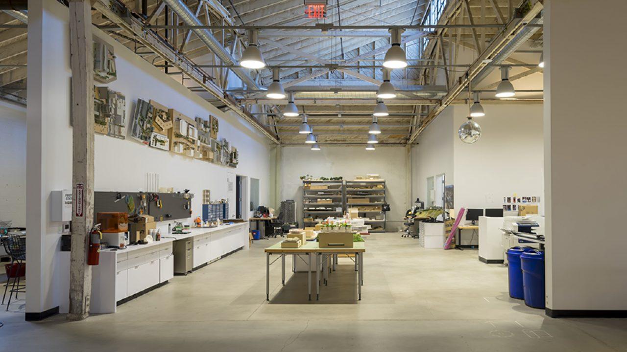7_web_RCH 04 Model Shop